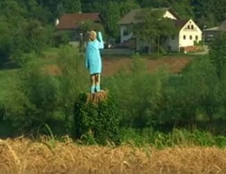 O statuie din lemn dedicata Melaniei Trump, amplasata in orasul sloven in care s-a nascut, starneste controverse