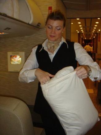 O stewardesa romanca, in Air Force One: Ce spune despre obiceiurile lui Obama