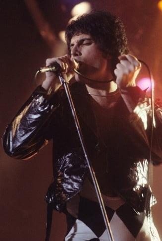 O strada din Londra a primit numele lui Freddie Mercury