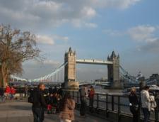 O substanta suspecta a fost descoperita la biroul ministrului britanic pentru imigratie