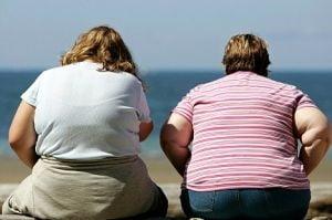 O talie de peste 80 de centimetri dubleaza riscul de cancer, la femei