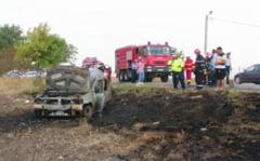 O tanara a murit dupa ce a intrat cu masina intr-un camion si a ars in caroserie