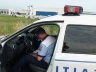 O tanara din Putna a urcat la volan fara permis si a ajuns cu masina in sant