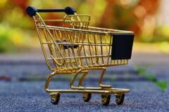 """O tara din UE introduce """"impozitul pe supermarketuri"""": Marile lanturi acuza guvernul de xenofobie"""