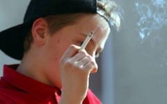 O treime din adolescenti de 16 ani a fumat cel putin o tigara in ultima luna