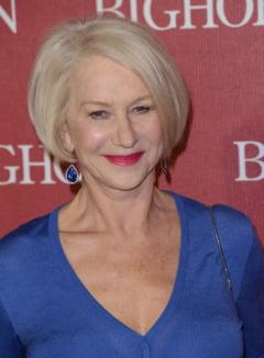 O vedeta de la Hollywood arata atat de bine la 70 de ani, incat presa a cuplat-o cu fiul vitreg (Foto)