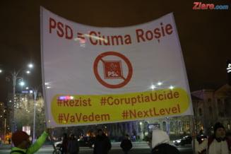 """Oamenii au iesit din nou in strada, duminica, la proteste: """"Jos Guvernul sluga 3.0 lui Dragnea!"""" (Galerie foto)"""