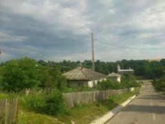 Oamenii care s-au mutat in localitatea din Romania unde li se da o casa gratis si li se asigura un job