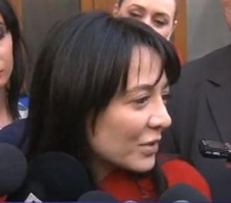 Oana Niculescu Mizil, urmarita penal: Azi imi dau demisia din Parlament (Video)