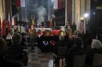 Obama, Merkel si alte 15 delegatii si-au anulat participarea la funeraliile din Polonia
