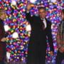 "Obama a aprins luminitele de Craciun la Casa Alba: ""Aveti noroc ca nu cant si eu"" (Video)"