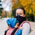 Obligativitatea purtării măștii de protecție în aer liber. Ce faci dacă ești singur pe stradă sau dacă vrei să mănânci un covrig