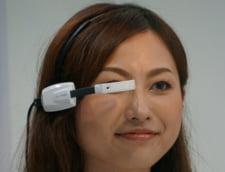"""Ochelarii inteligenti care """"vorbesc"""" cu iPhone-ul tau (Video)"""