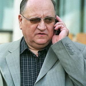 Octav Cozmanca si-ar putea lansa sambata noul partid