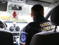 """Ofiterul DGA, suspectat ca a acoperit ilegalitatile """"fabricii de permise auto"""" din Suceava, a fost retinut de procurori"""