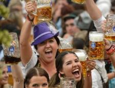 Okoberfest festivalul berii petrecere atmosfera