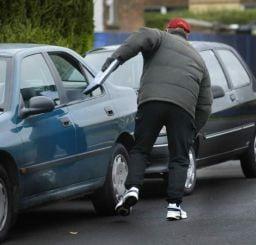 Olanda: Romani arestati pentru numeroase furturi de obiecte si carduri