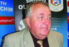 Oltchim a inceput negocierile cu cinci antrenori straini