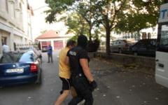 Oltean retinut de politisti dupa ce a santajat minore cu fotografii indecente