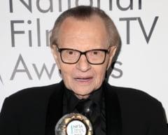 """Omagii pentru Larry King, jurnalistul care a realizat peste 50.000 de interviuri: """"Un maestru, o legenda a televiziunii"""""""