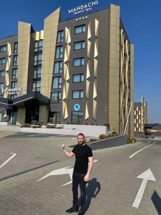 Omul de afaceri Stefan Mandachi isi pune gratuit hotelul la dispozitia salvatorilor de vieti care au nevoie de carantina
