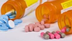 Omul din umbra rupe tacerea: Medicamentele ne pot omori