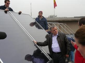 Ontanu a pus panouri solare pe terasa Primariei sectorului 2