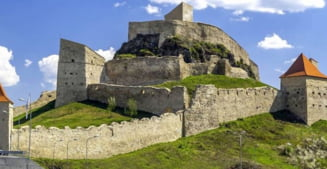 Opera Brasov continua seria recitalurilor la Cetatea Rupea