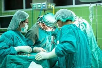 Operatie pe creier facuta unui adolescent de 14 ani, in premiera nationala, la Spitalul Judetean Timisoara