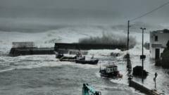 Ophelia a lovit in forta Irlanda: Uraganul a facut deja victime (Video)