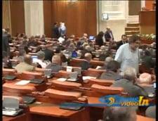 Opozitia a contestat la BP votul pe OUG de recalculare a pensiilor militare