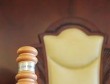 Opozitia critica decizia CCR care a respins propunerile de revizuire a Constitutiei: Vointa romanilor este litera de lege!