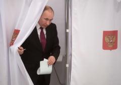 Opozitia si observatorii din Rusia au denuntat cateva mii de nereguli la alegerile prezidentiale