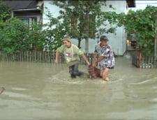 Oprea, in prag de inundatii: Oamenii sa inteleaga ca evacuarea e spre binele lor