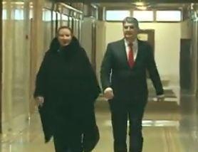 Oprea s-a prezentat la comisia juridica insotit de senatorul care l-a miruit pe Sova