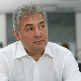 Oprescu are adversar: Videanu candideaza la Primarie, in 2016