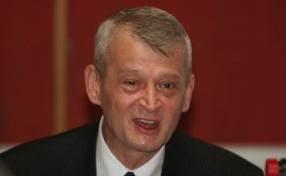 Oprescu nu se opune unui referendum pentru desfiintarea sectoarelor
