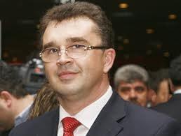 Oprisan acuza discriminari in alocarea banilor in teritoriu de Guvernul Boc