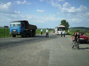 Opt copii au fost raniti intr-un accident, in Dambovita