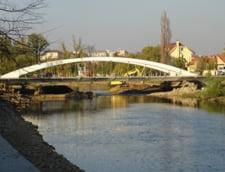Oradea a construit un nou pod peste Crisul Repede pentru a sarbatori Centenarul