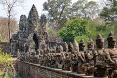 Orase stravechi descoperite in jungla cambodgiana. Cladirile au si 1.400 de ani