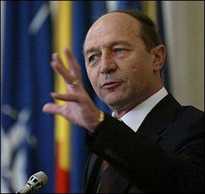 Orban: Basescu e ruginiu pe interior si sta sa cada ca o frunza toamna