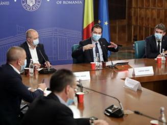 Orban: Discutam obligativitatea mastii in aer liber si limitarea programului in cluburi si terase. Alocatiile ar urma sa fie majorate cu pana la 20%