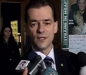Orban: Guvernul Boc vrea sa faca o scamatorie si sa creasca taxele locale