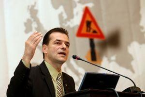Orban i-a pus gand rau lui Bechtel