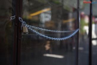Orban spune ca terasele s-ar putea deschide abia din iunie. Si mall-urile raman inchise