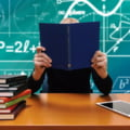 Ordinul comun semnat de ministrii Educatiei si Sanatatii, care prevede inchiderea scolilor la intrarea localitatilor in carantina si nu la pragul de 6 la mie, a intrat in vigoare