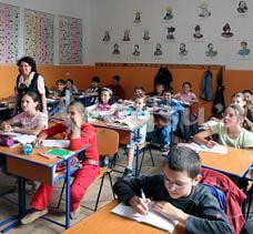 Orele de religie, obligatorii pentru Ministerul Educatiei si pentru scoli, dar optionale pentru elevi
