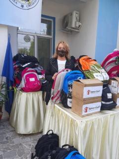 Organizatia Salvati Copiii a dotat cu tablete si materiale educationale Scoala Gimnaziala Nr. 1 din comuna Unirea, judetul Calarasi
