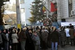 Organizatiile PSD si PD-L Arges, amendate pentru manifestatii neautorizate